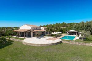 La Bastide des Mûriers villa overview image