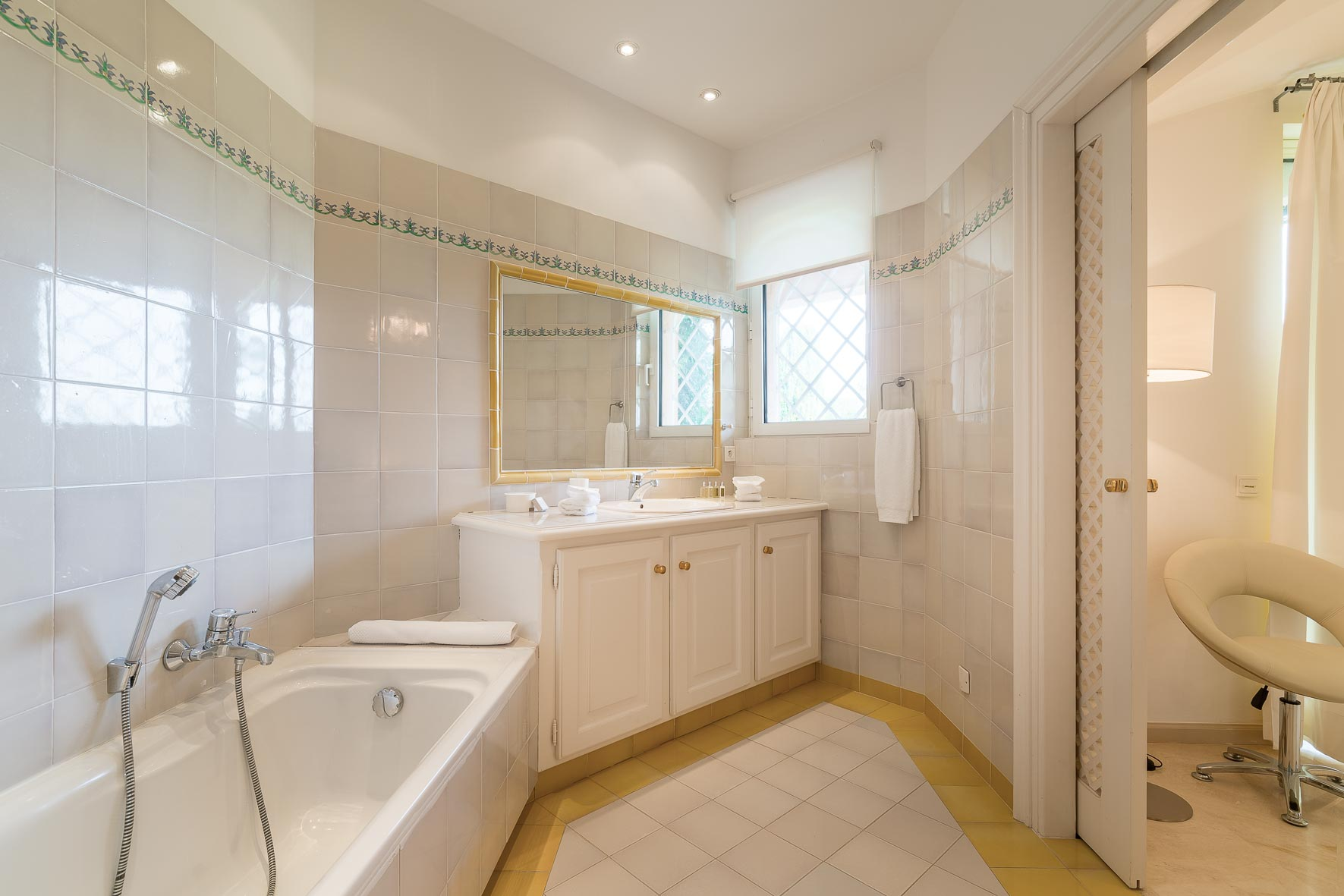 Villa grenouille BD Tardieu-Bo House-20