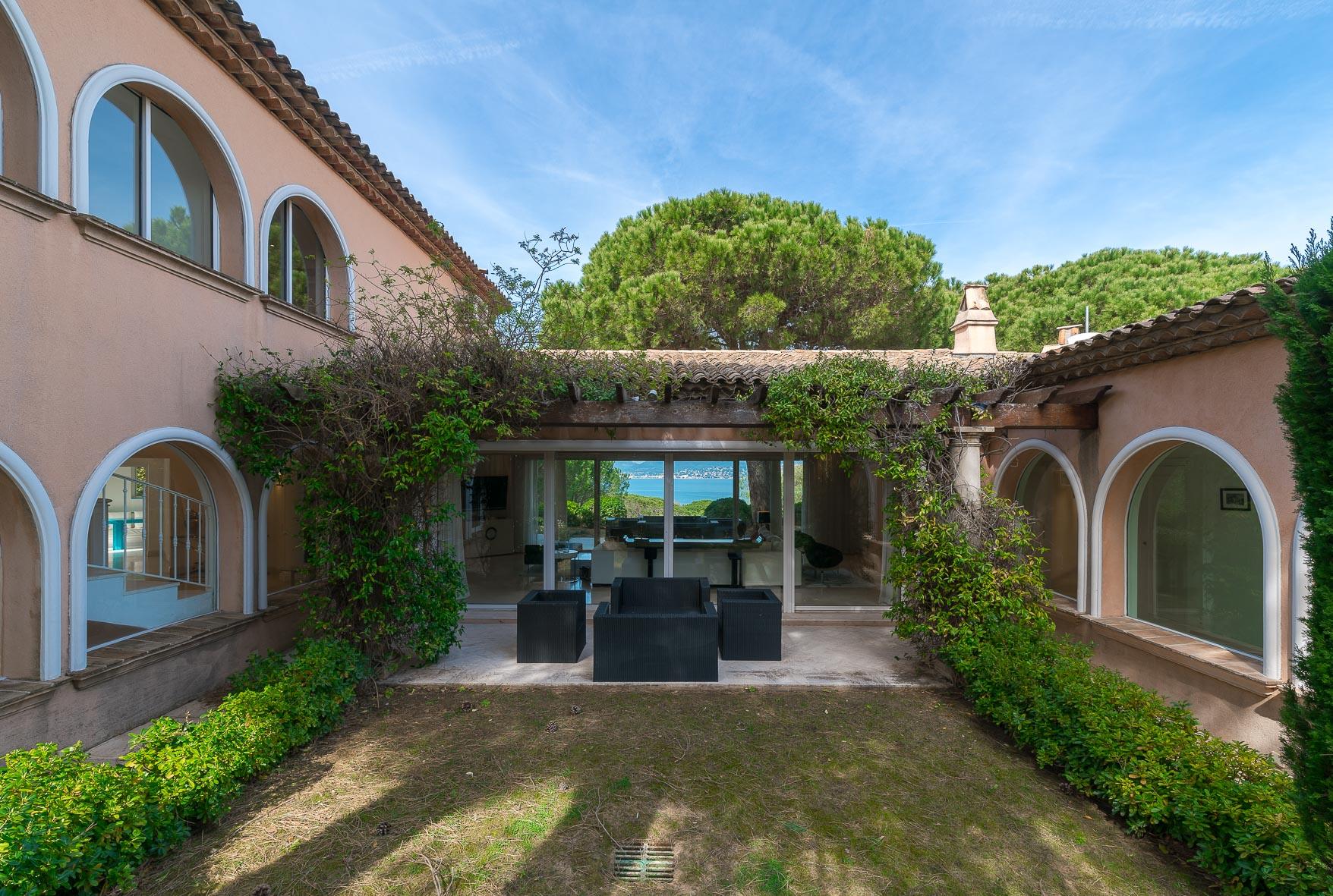 Villa grenouille BD Tardieu-Bo House-3