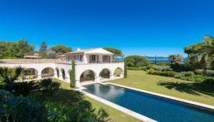 La Sarriette villa overview image